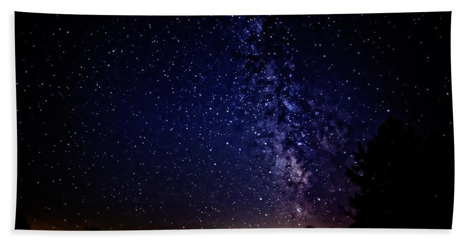 Astronomy Hand Towel featuring the photograph Milky Way by Lars Lentz