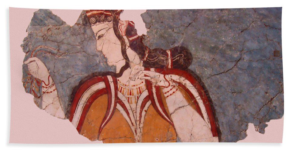 Minoan Wall Painting Bath Towel featuring the photograph Minoan Wall Painting by Ellen Henneke