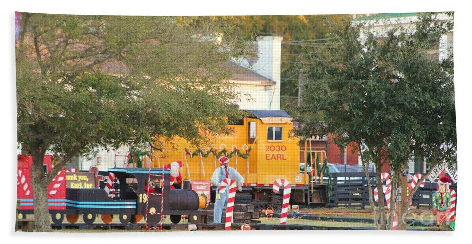 Fire Truck Bath Sheet featuring the photograph Mississippi Christmas 9 by Michelle Powell