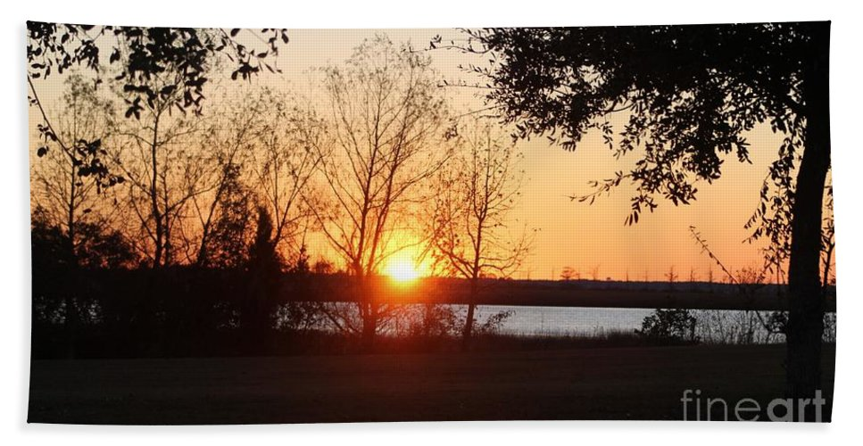 Mississippi Hand Towel featuring the photograph Mississippi Sunset 9 by Michelle Powell