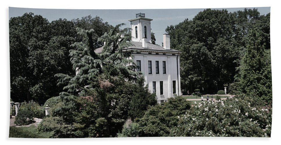 Missouri Botanical Garden-shaw Home Hand Towel featuring the photograph Missouri Botanical Garden-shaw Home by Luther Fine Art