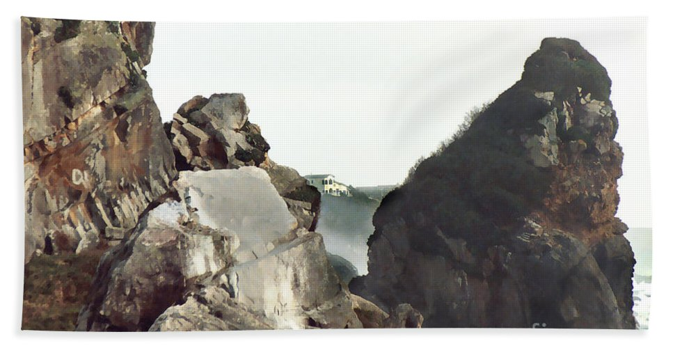 Gold Beach Hand Towel featuring the painting Mist Among The Break by Peter Piatt