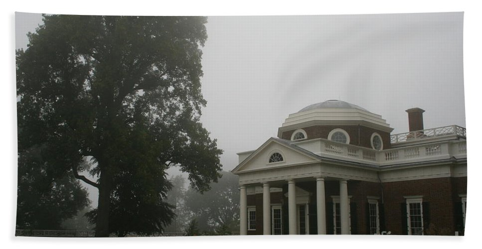 Mist Bath Sheet featuring the photograph Misty Morning At Monticello by Christiane Schulze Art And Photography