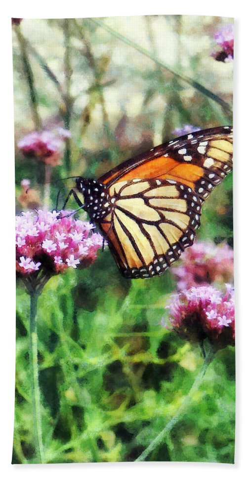 Butterfly Bath Sheet featuring the photograph Monarch Butterfly On Pink Lantana by Susan Savad