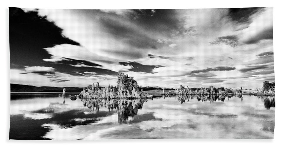 Lake Bath Sheet featuring the photograph Mono Lake by Cat Connor