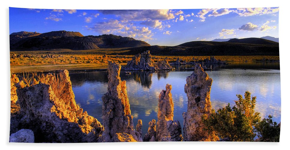Lake Hand Towel featuring the photograph Mono Lake by Ingrid Smith-Johnsen