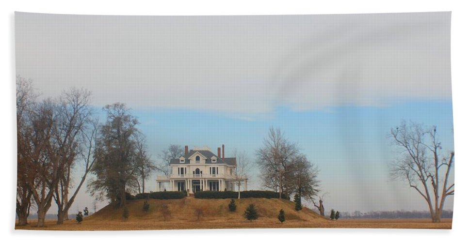 Mississippi Hand Towel featuring the photograph Mont Helena Rolling Fork Ms by Karen Wagner