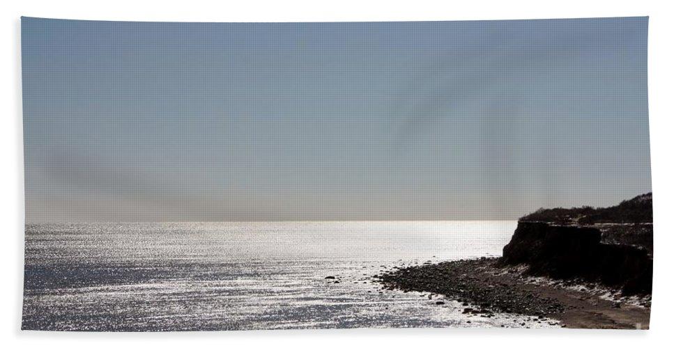Montauk Beach And Bluff Hand Towel featuring the photograph Montauk Beach And Bluff by John Telfer