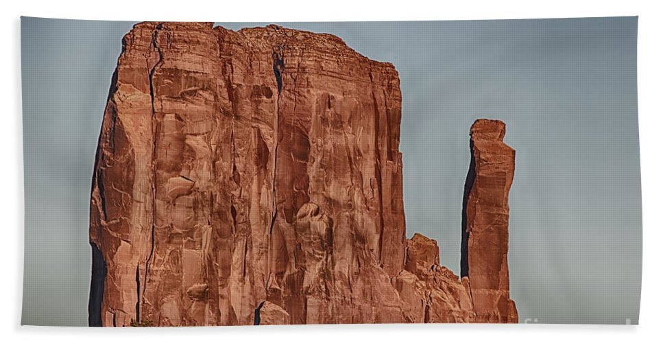 Monument Valley Hand Towel featuring the photograph Monument Valley -utah V18 by Douglas Barnard
