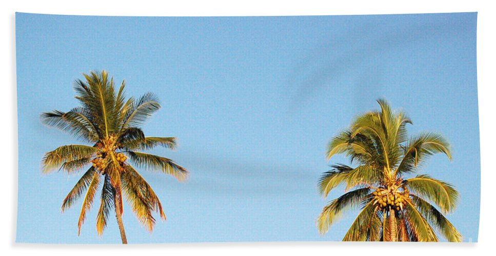 Moon Hand Towel featuring the photograph Moon Over Molokai by Terry Holliday