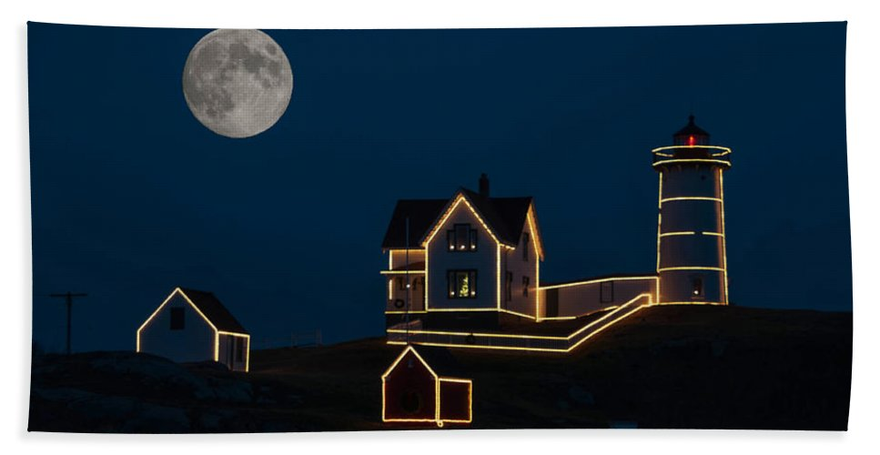 Atlantic Ocean Hand Towel featuring the photograph Moon Over Nubble Light by Guy Whiteley