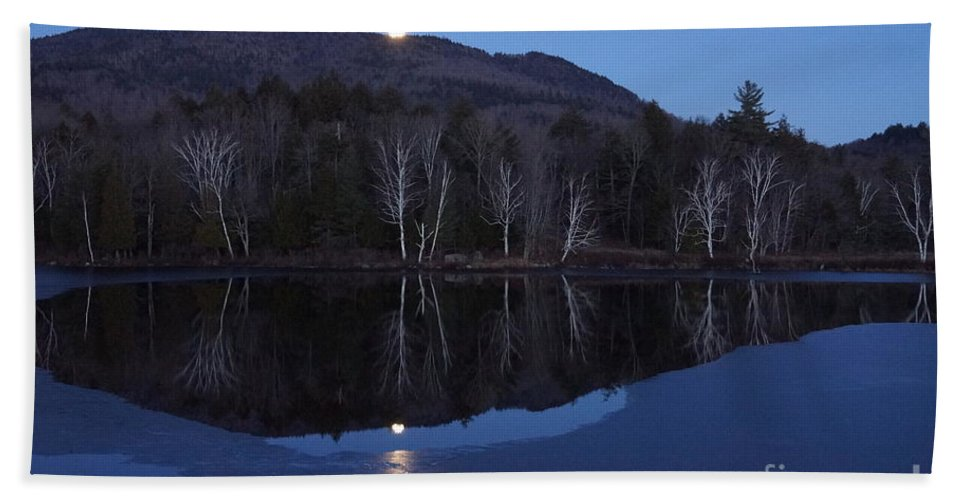 The Moon Rising Over The Mountains Hand Towel featuring the photograph Moon Rise by Jeffery L Bowers