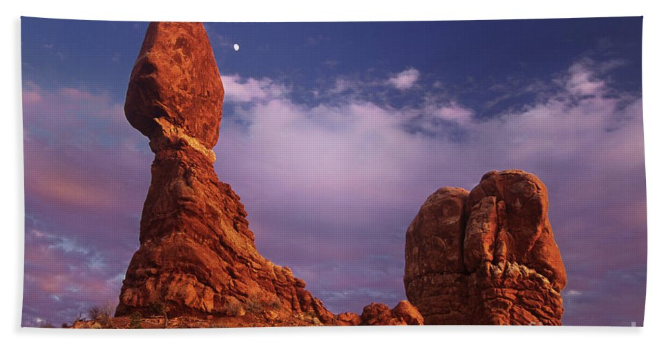 Arches National Park Bath Sheet featuring the photograph Moonrise At Balanced Rock Arches National Park Utah by Dave Welling