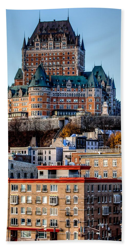 Chateau Bath Sheet featuring the photograph Morning Dawns Over The Chateau Frontenac by Bill Lindsay