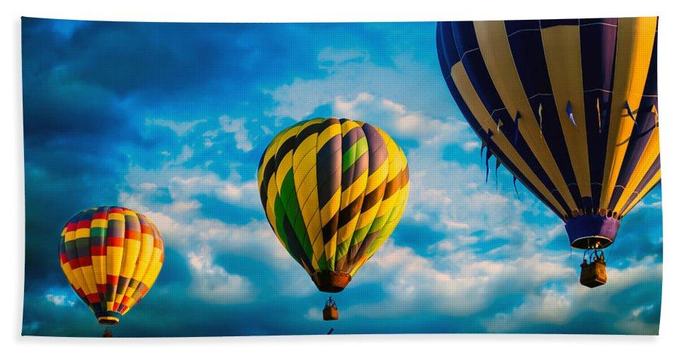 Hot Air Balloon Bath Towel featuring the photograph Morning Flight Hot Air Balloons by Bob Orsillo