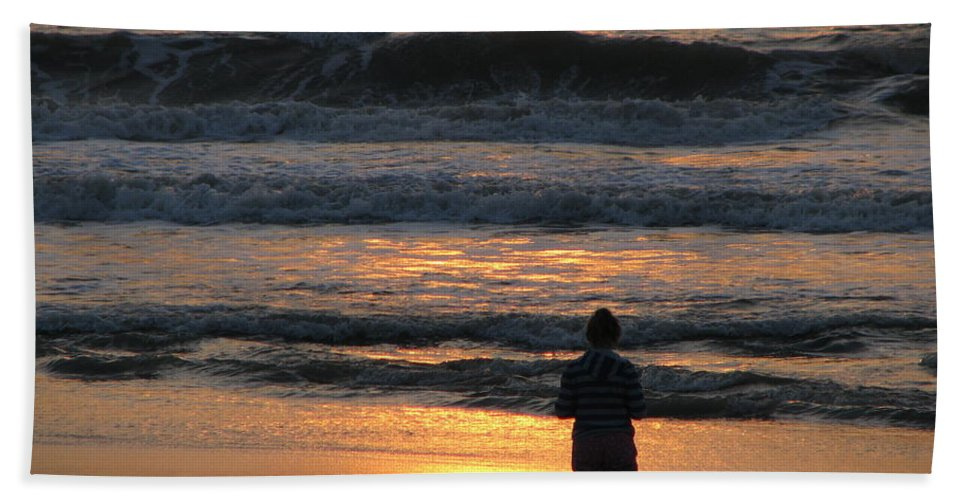 Patzer Hand Towel featuring the photograph Morning Has Broken by Greg Patzer