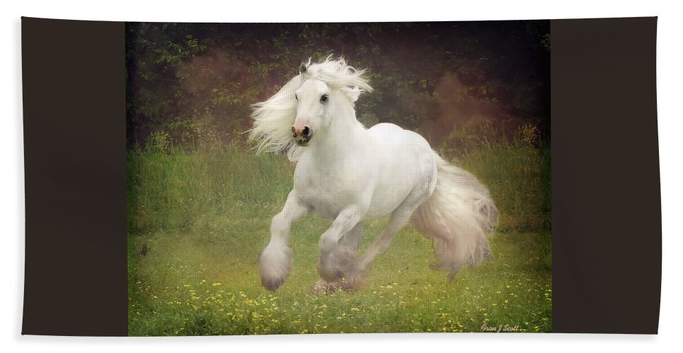 Horses Bath Towel featuring the photograph Morning Mist C by Fran J Scott