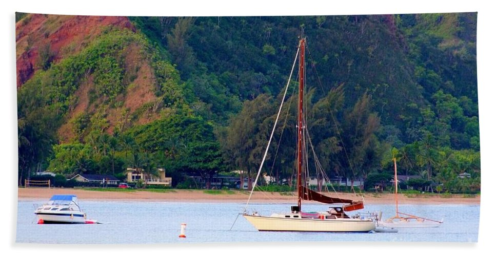 Hanalei Hand Towel featuring the photograph Morning On Hanalei Bay by Mary Deal