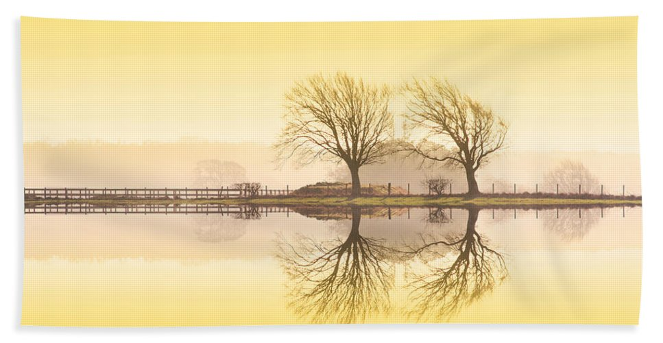 Landscape Hand Towel featuring the photograph Morning Reflection by Les McLuckie