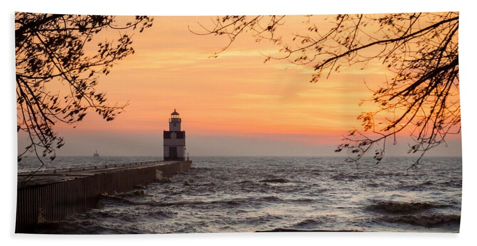 Lighthouse Hand Towel featuring the photograph Morning Rough by Bill Pevlor