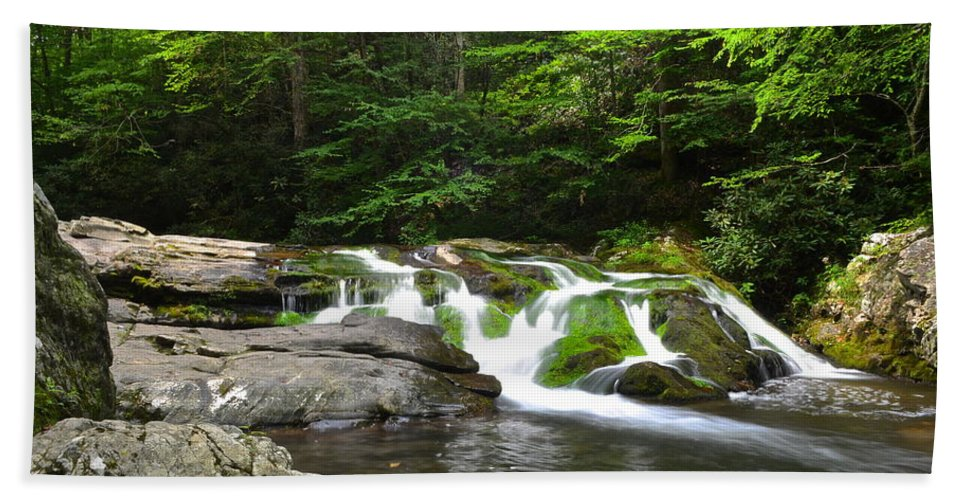 Moss Hand Towel featuring the photograph Mossy Falls by Frozen in Time Fine Art Photography