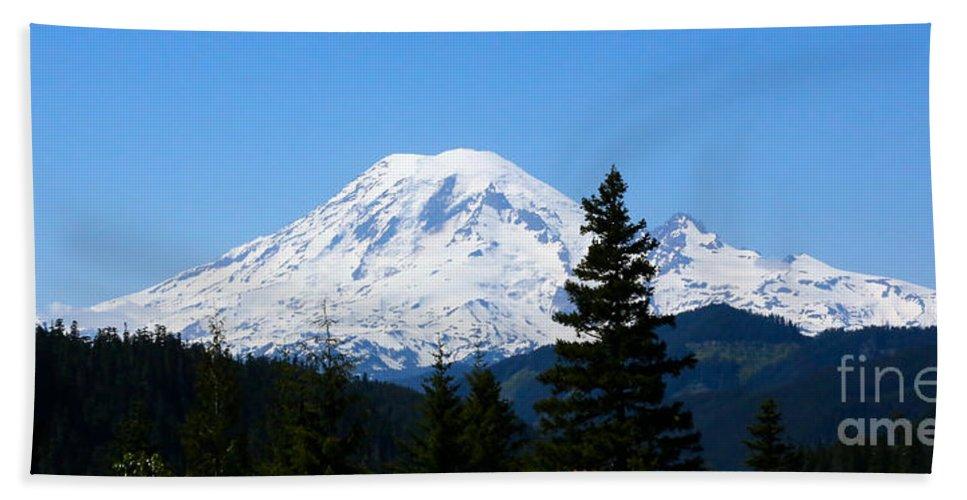 Mount Rainier Hand Towel featuring the photograph Mount Rainier Panorama by Carol Groenen