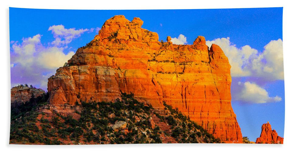Sedona Hand Towel featuring the photograph Mountain View Sedona Arizona by Michael Moriarty