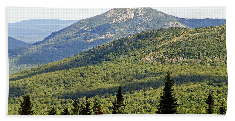 Adirondack Hand Towel featuring the photograph Mountian Draw by Eric Swan