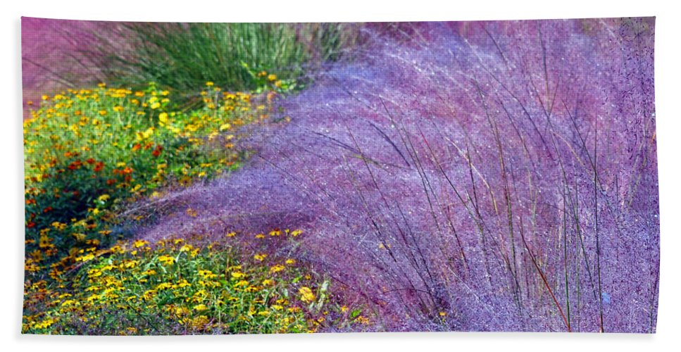 Gardens Hand Towel featuring the photograph Muhly Grass In The Morning by Lydia Holly