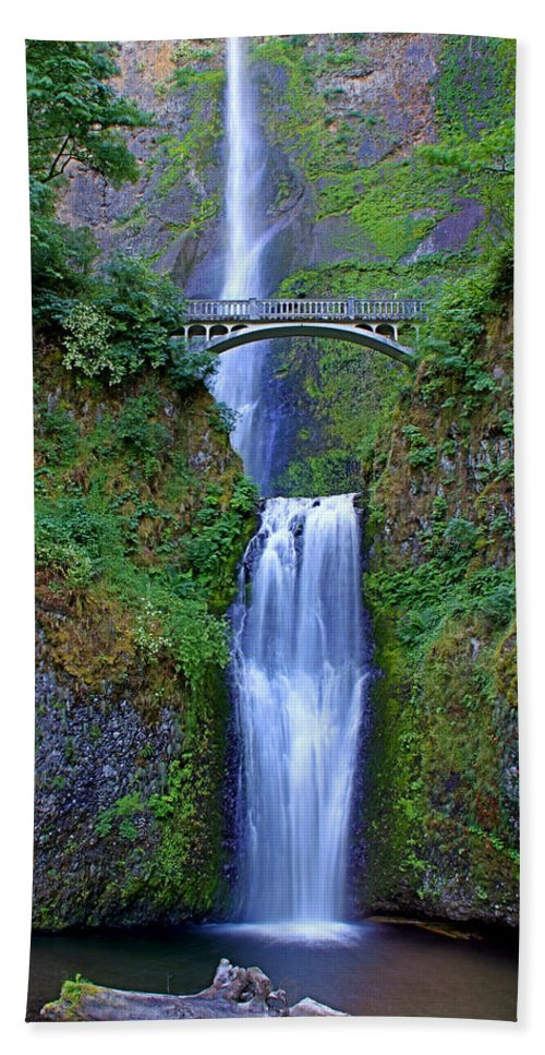 Falls Hand Towel featuring the photograph Multnomah Falls by John Absher