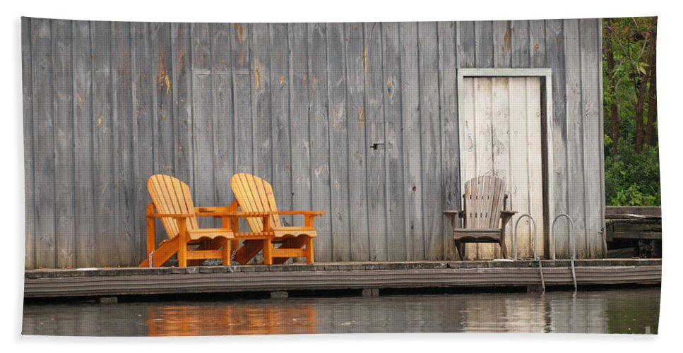 Chair Hand Towel featuring the photograph Muskoka Chairs by Les Palenik