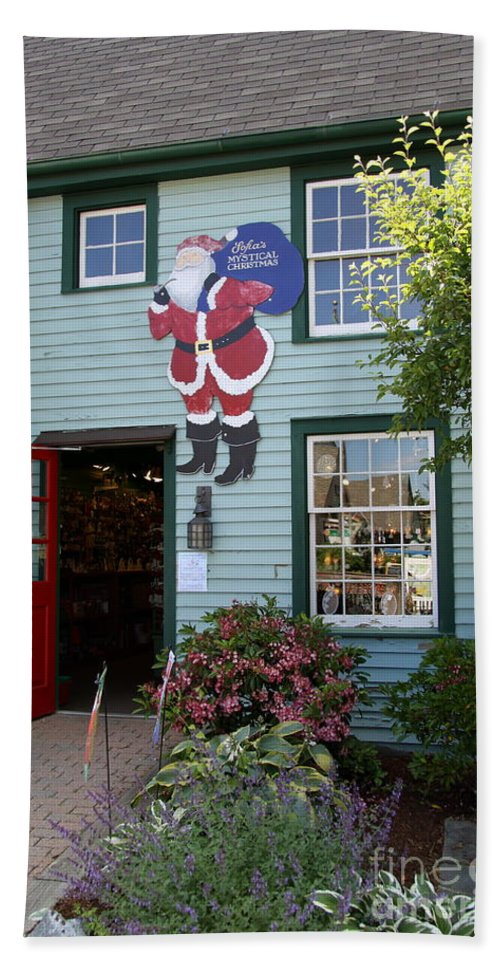 Chrsitmas Shop Hand Towel featuring the photograph Mystic Christmas Shop - Connecticut by Christiane Schulze Art And Photography