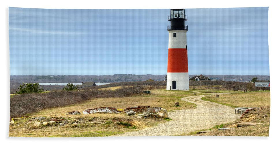 Lighthouse Hand Towel featuring the photograph Nantucket's Sankaty Head Light by Donna Doherty