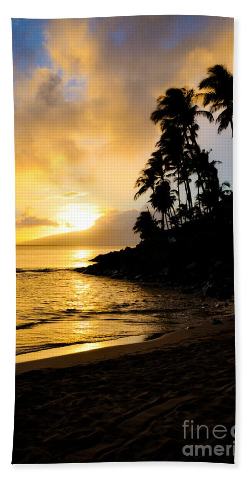 Napili Bay Bath Sheet featuring the photograph Napili Sunset Evening by Kelly Wade