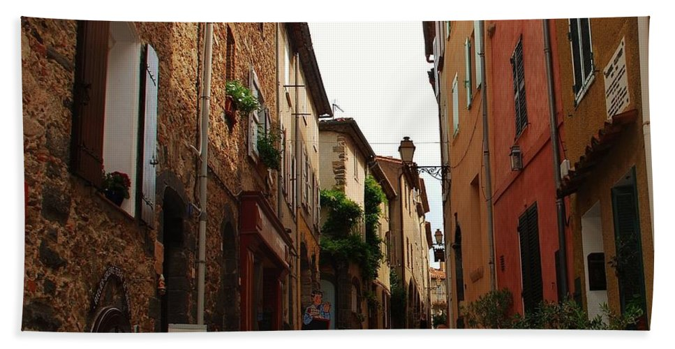 Narrow Street Bath Sheet featuring the photograph Narrow Street In Provence by Dany Lison