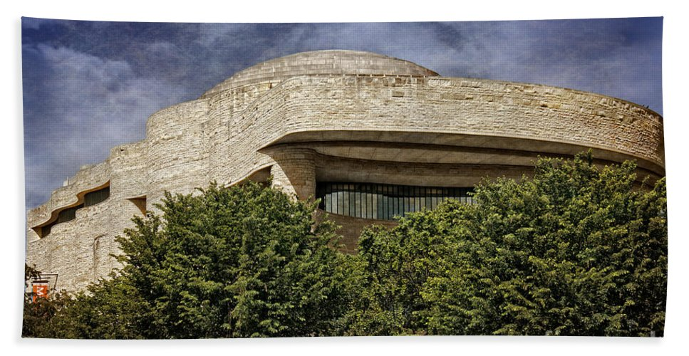Building Hand Towel featuring the photograph National Museum Of The American Indian by Tom Gari Gallery-Three-Photography