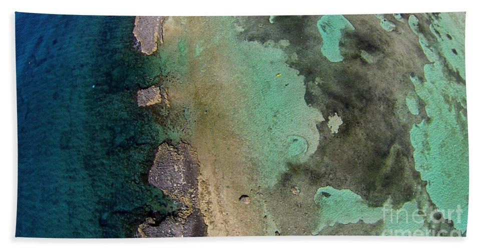 Grand Bahama Hand Towel featuring the photograph Natural Beauty II by Paola Correa de Albury