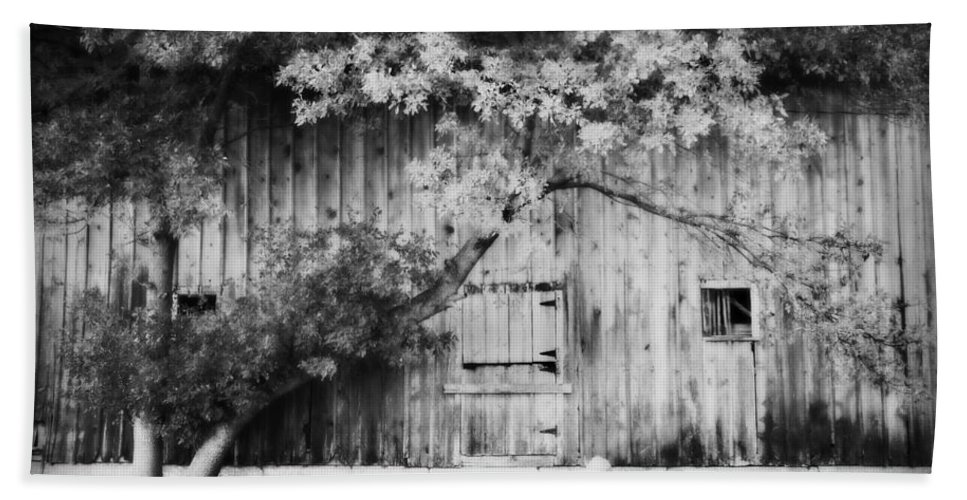 Barn Hand Towel featuring the photograph Natures Awning Bw by Julie Hamilton