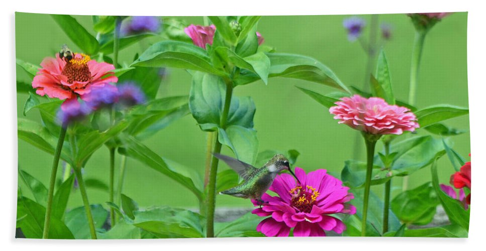 Bee Hand Towel featuring the photograph Nature's Dinner Table by Rodney Campbell