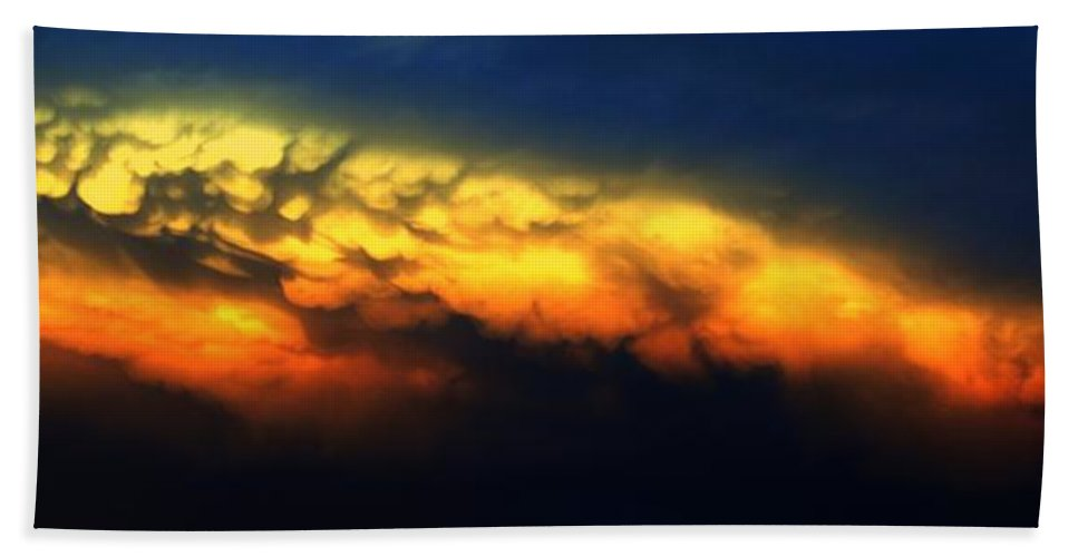 Stormscape Bath Sheet featuring the photograph Nebraska Mammatus Sunset by NebraskaSC