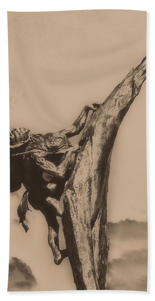 Never Give Up Hand Towel featuring the photograph Never Give Up by Dan Sproul