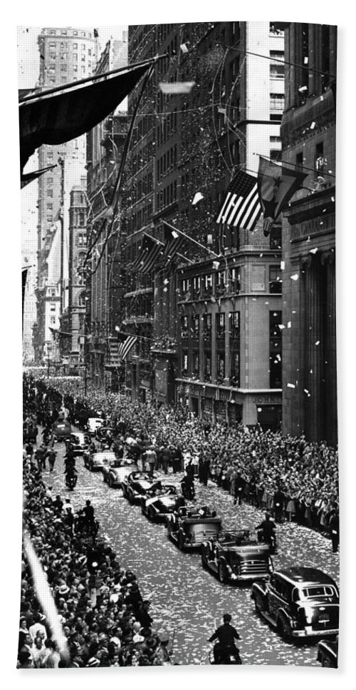 New York Hand Towel featuring the photograph New York Ticker Tape Parade by Andrew Fare