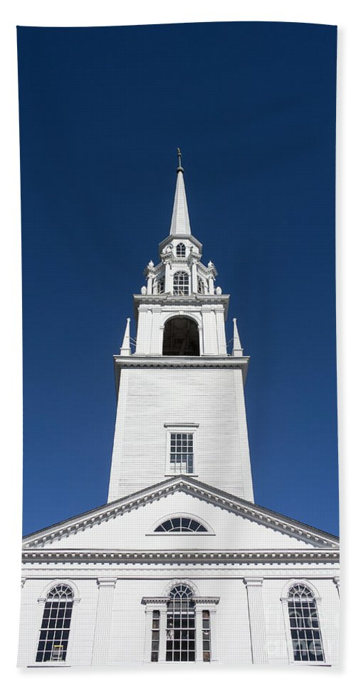 First Congregational Church Of Newburyport Bath Sheet featuring the photograph Newburyport Church by John Greim