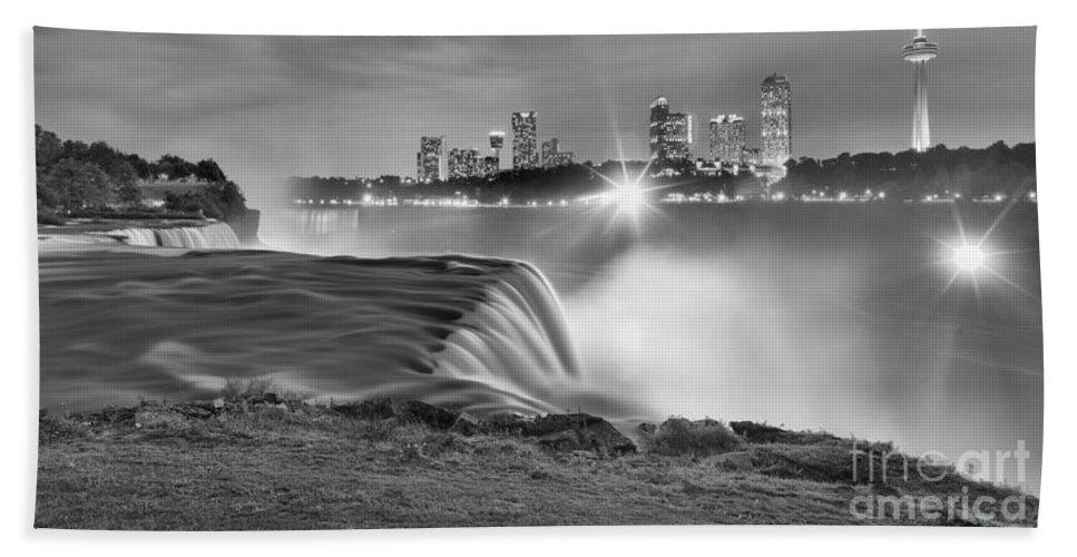 Niagara Falls Black And White Bath Towel featuring the photograph Niagara Falls Black And White Starbursts by Adam Jewell