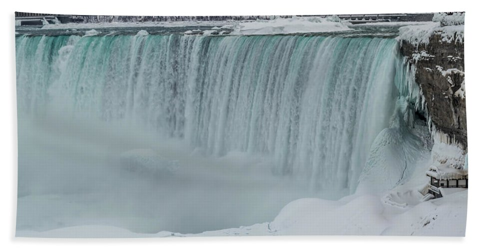 Canada Bath Sheet featuring the photograph Niagara Falls Canada In Winter by Ray Sheley