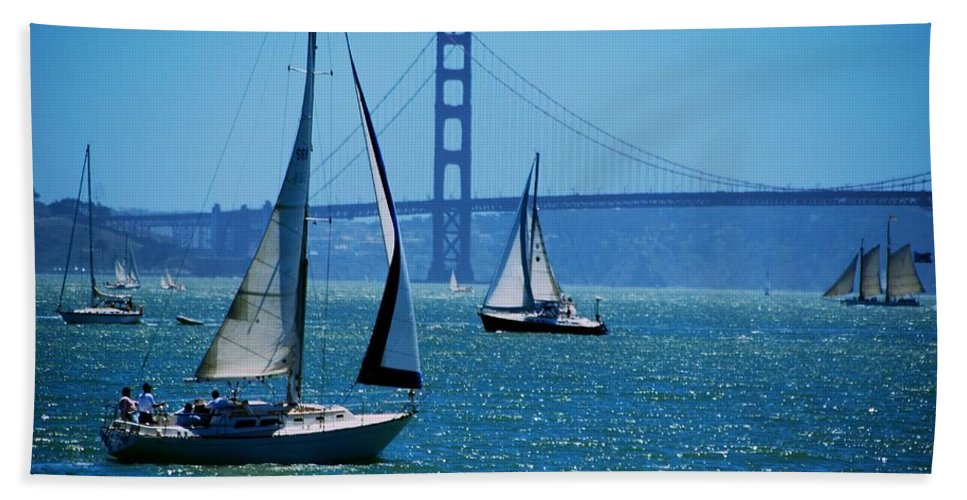 San Francisco Hand Towel featuring the photograph Nice Day On The Bay by Eric Tressler