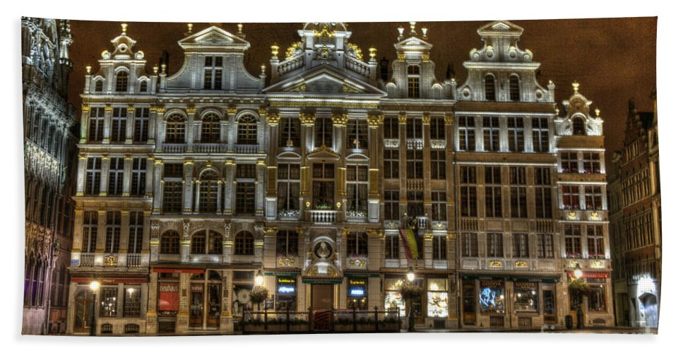 Architecture Bath Sheet featuring the photograph Night Time In Grand Place by Juli Scalzi