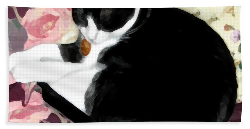 Black And White Hand Towel featuring the photograph No Worries by Jeanne A Martin