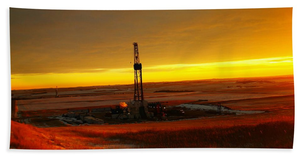 Oil Hand Towel featuring the photograph Nomac Drilling Keene North Dakota by Jeff Swan