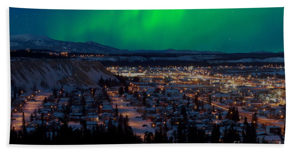 Canada Bath Sheet featuring the photograph Northern Lights Over Whitehorse by Stephan Pietzko